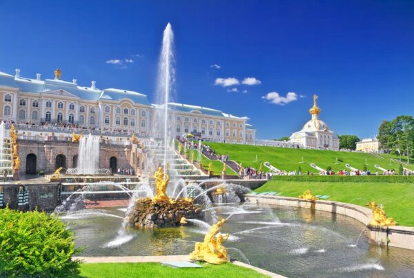 Grand cascade in Pertergof, Saint-Petersburg