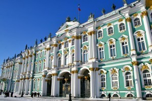 Winter-Palace-in-Saint-Petersburg-e1413469368455[1]